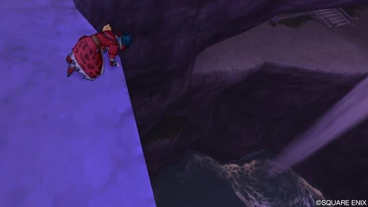 海風の洞窟の近くの崖でガッカリする私のキャラクター(DQ10)